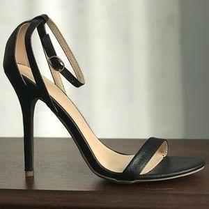 Wild Diva black heels size 7.5